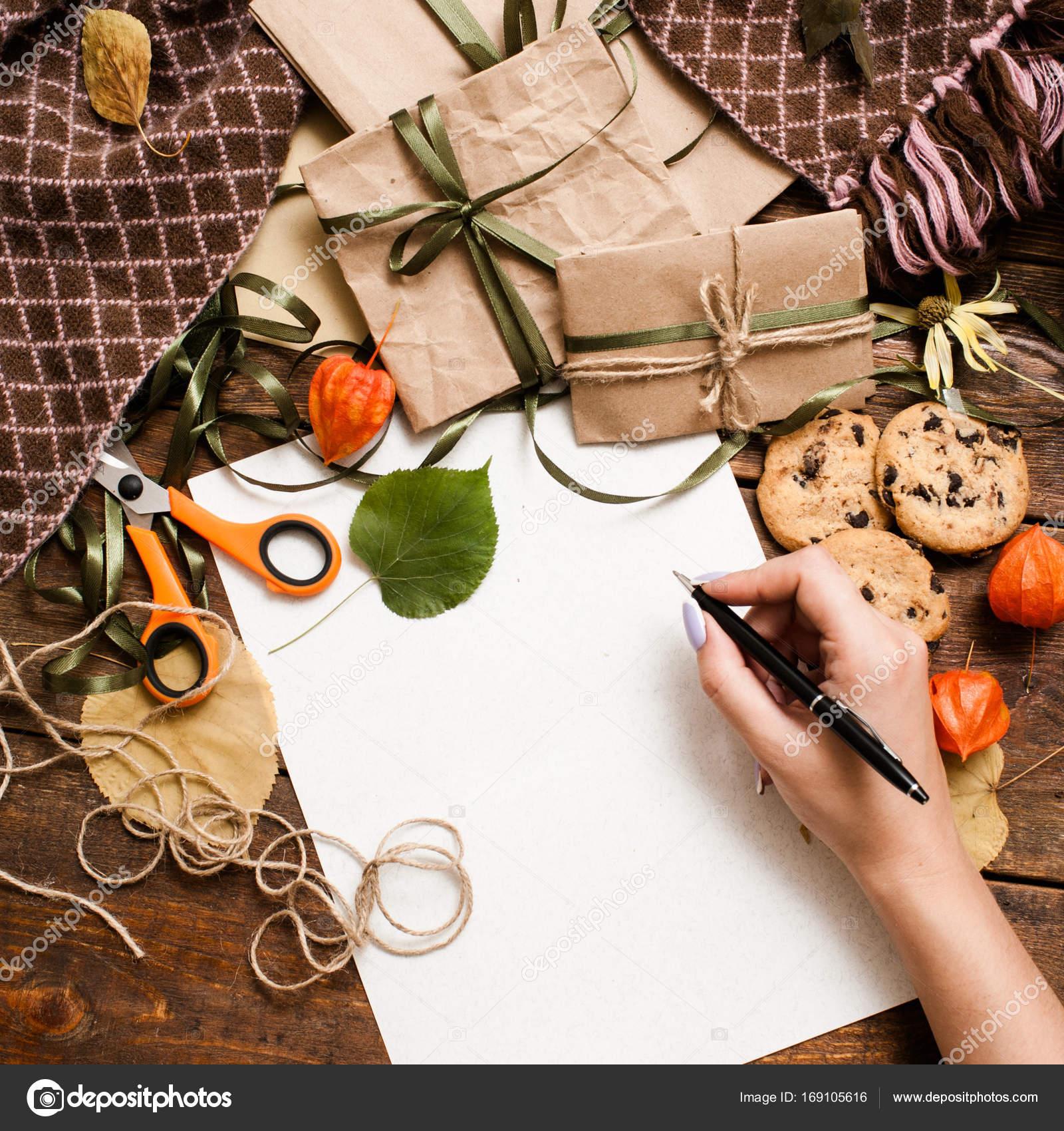 Herbstferien und Vorbereitung Geschenke — Stockfoto © golubovy ...