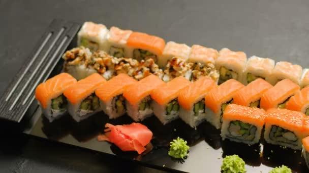 japonské jídlo Restaurace jídlo sushi válců sada