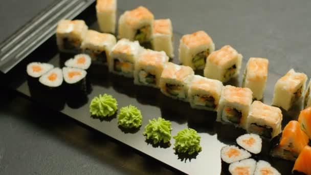 Oriental étterem étel rendelés sushi kézzel vegye fel