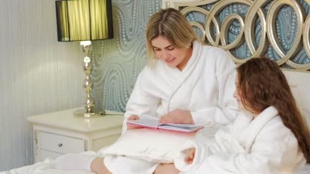 matka lásky komunikace, čtení před spaním dcera