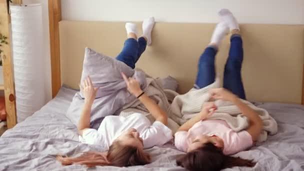 tini lányok szabadidő igazi barátság legjobb móka