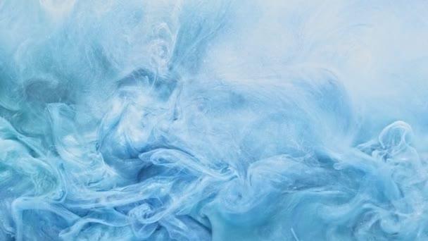 lesklý proud páry třpytící se obloha modrý opar pohyb