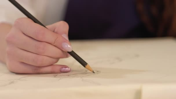 drawing course female hand sketching pencil canvas