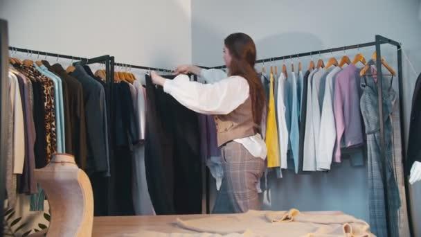 módní blogger ženský stylista foto outfit telefon