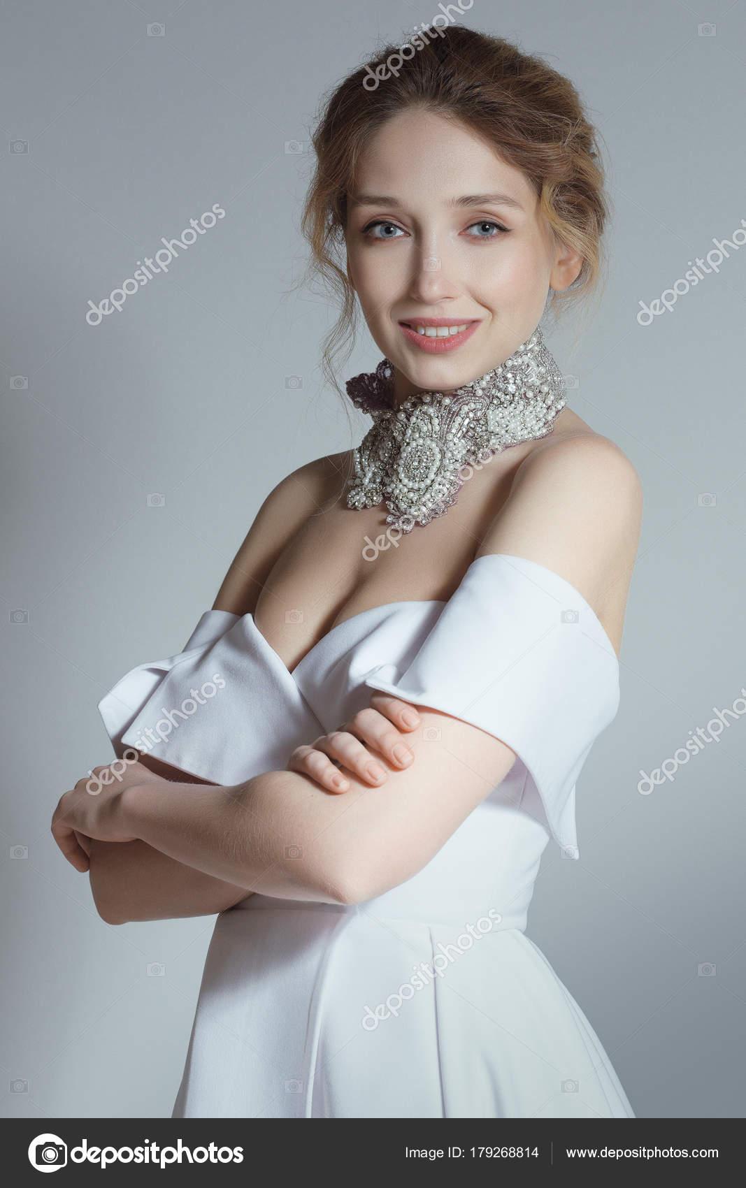 Эро моделей фото красивых невест в свадебных чулках девушки колготках трутся