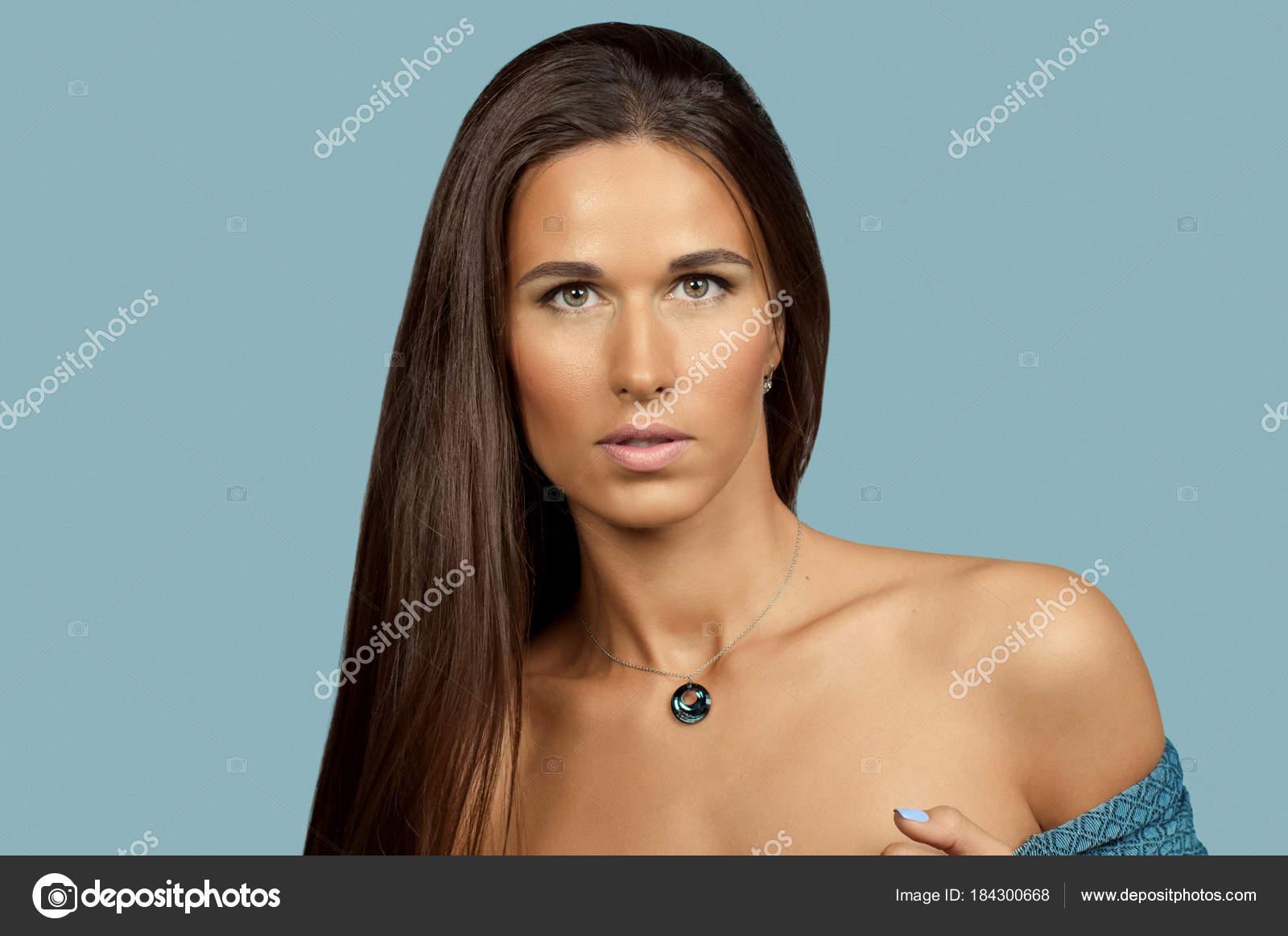 portrait sexy brunette girl affectionate look beautiful girl — stock