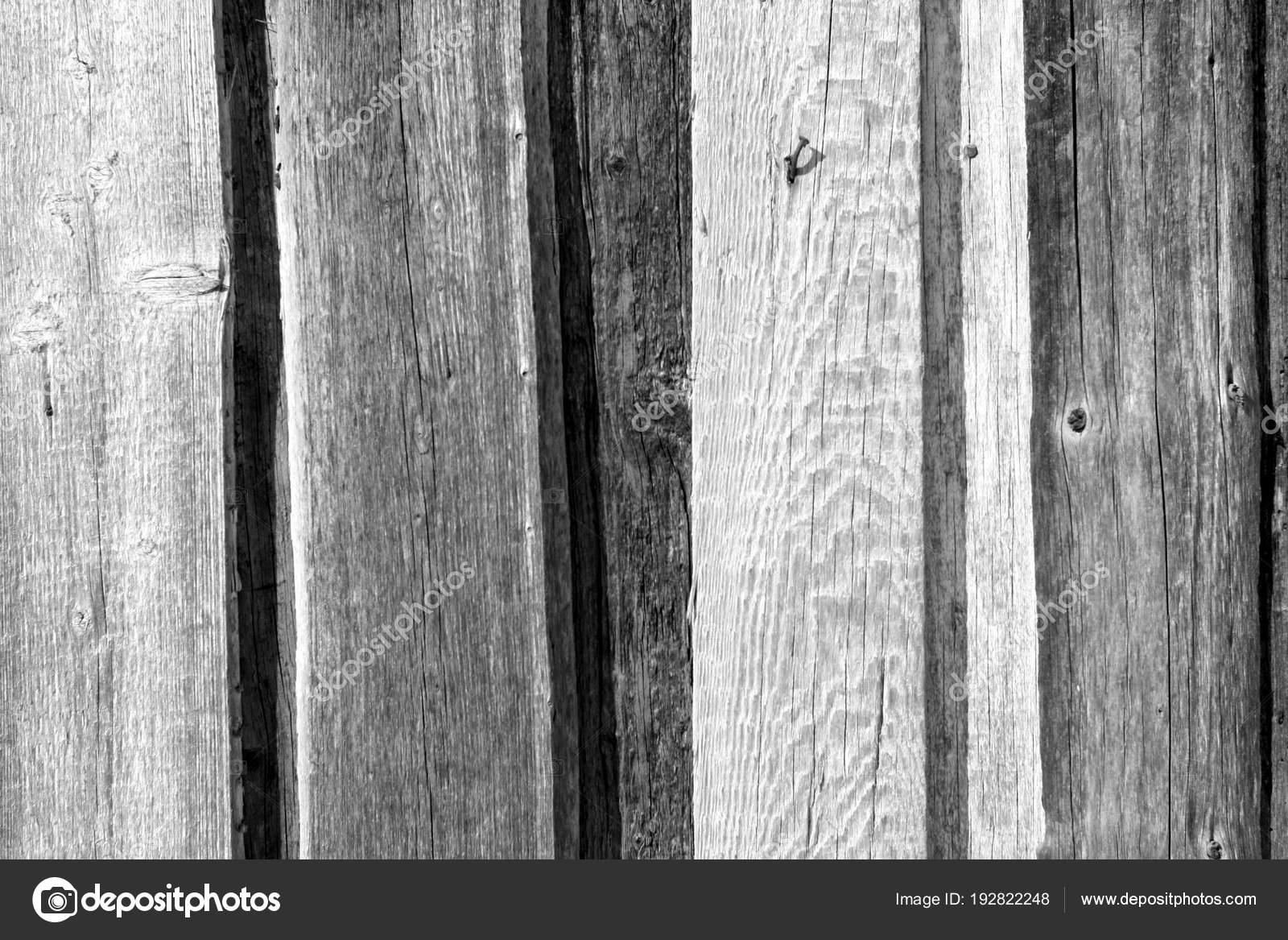 Legno Bianco E Nero : Vecchio modello di recinzione in legno in bianco e nero u foto