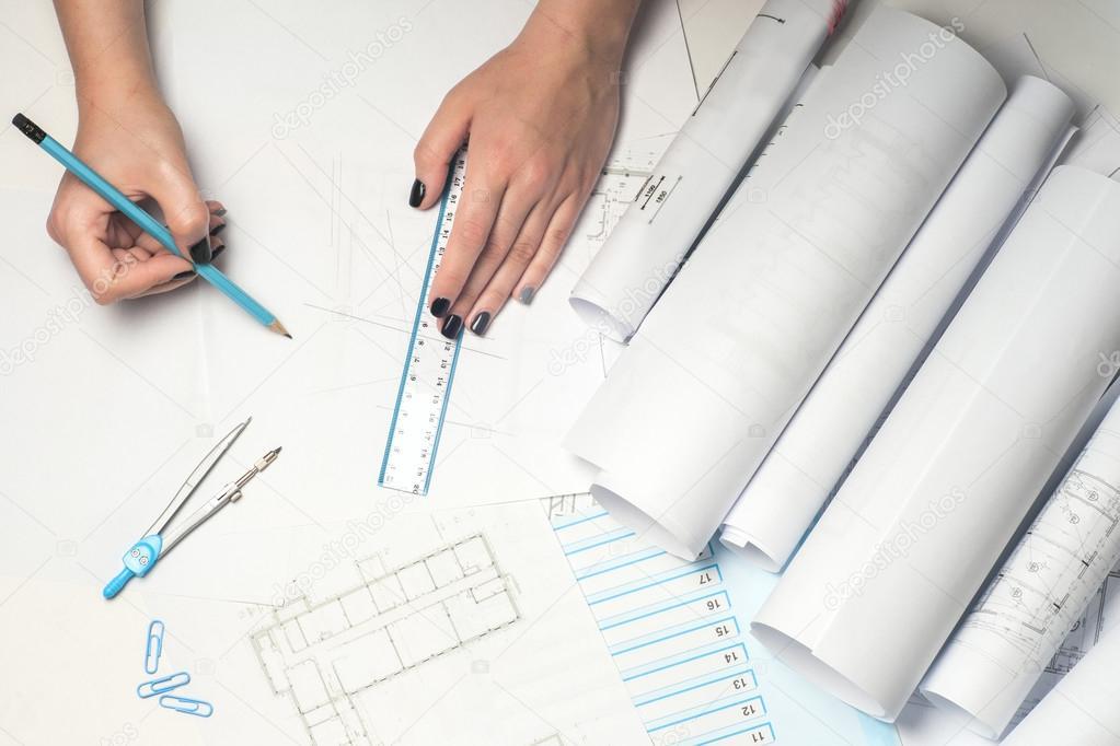 Great Architekten Arbeiten Auf Entwurf. Architekten Arbeitsplatz    Architekturprojekt, Baupläne, Lineal Und Teiler Kompass. Baukonzept.  Engineering Tools.