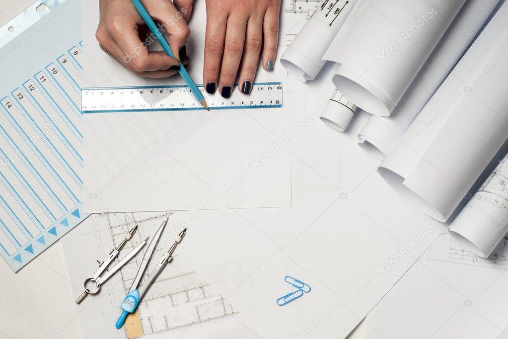 Nice Architekten Arbeiten Auf Entwurf. Architekten Arbeitsplatz    Architekturprojekt, Baupläne, Lineal Und Teiler Kompass. Baukonzept.  Engineering Tools.