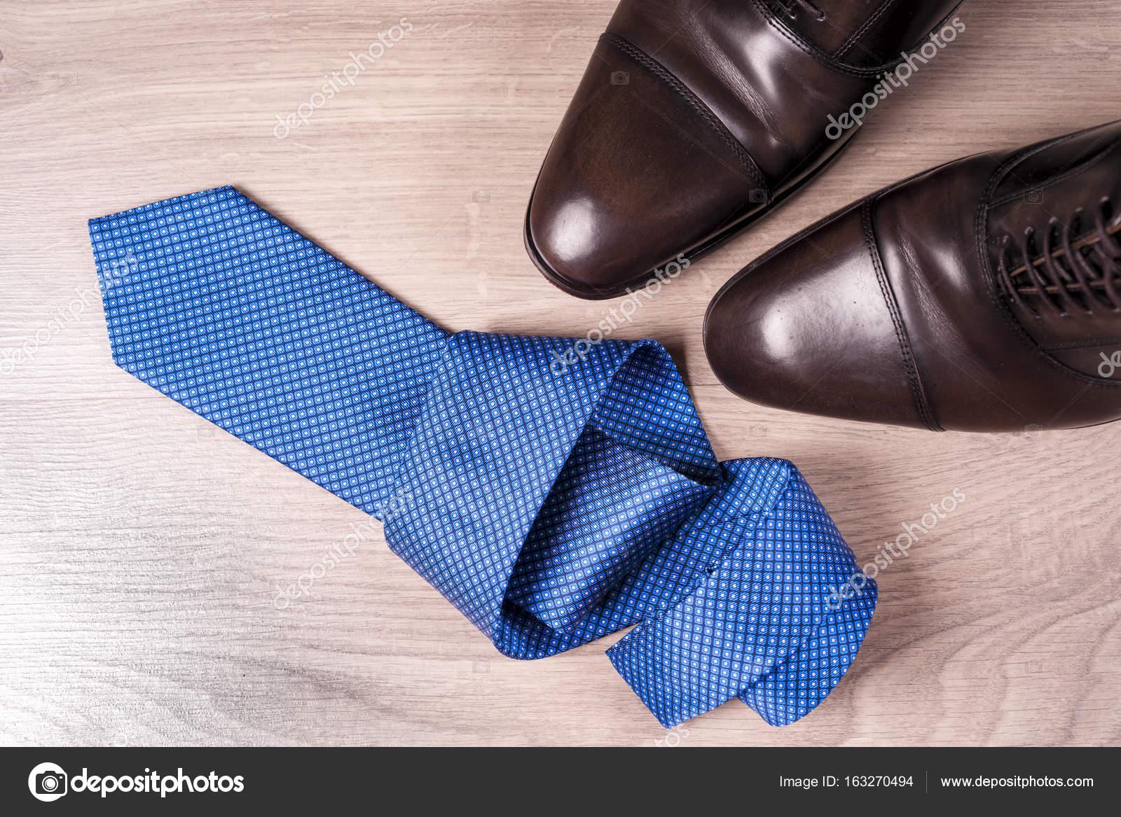 Un Zapatos Sobre Corbata Fondo De Accesorios Hombre Para wYqxBHrYZ