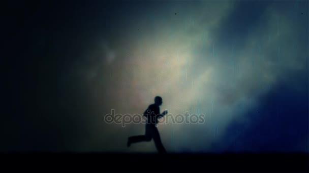 Běžící muž za bouřky a deště v noci - smyčka