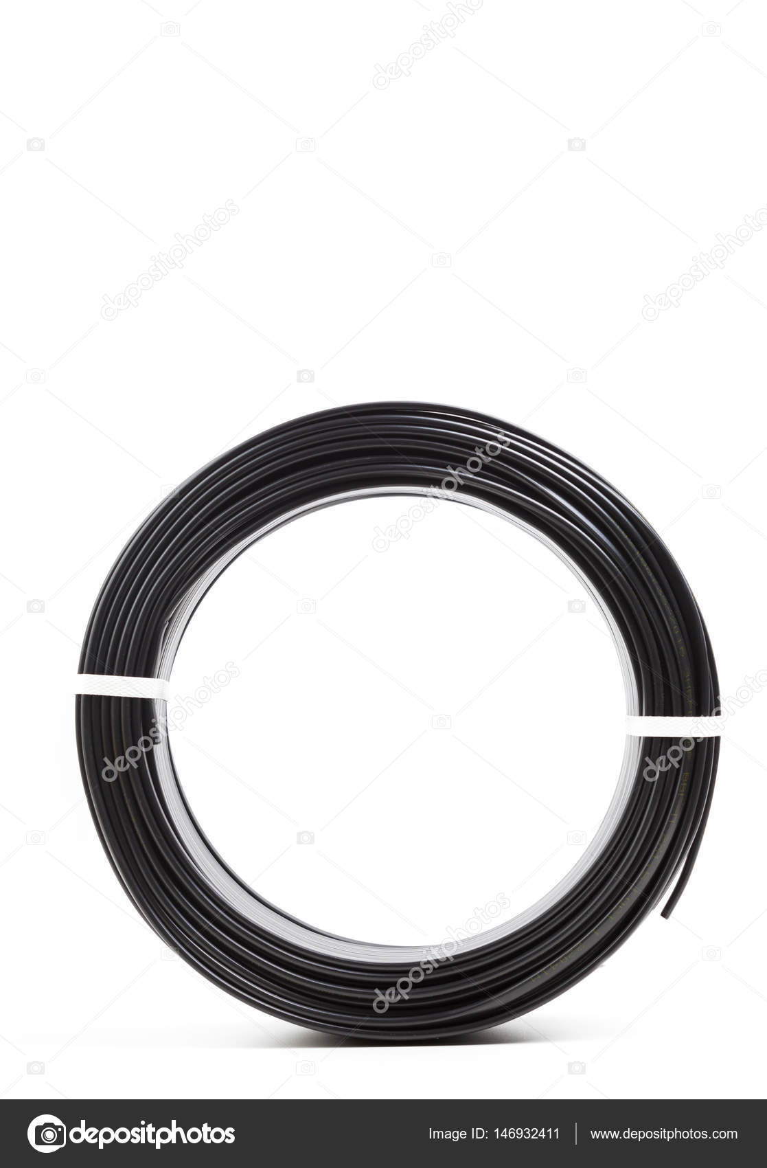 Schwarze elektrische Kabel — Stockfoto © Fotofabrika #146932411