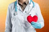 Proteggere il concetto di sanità con il medico
