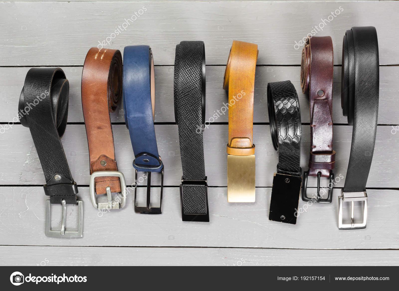 design senza tempo fa095 fddc2 Molti Tipi Cinture Primi Piani — Foto Stock © Fotofabrika ...