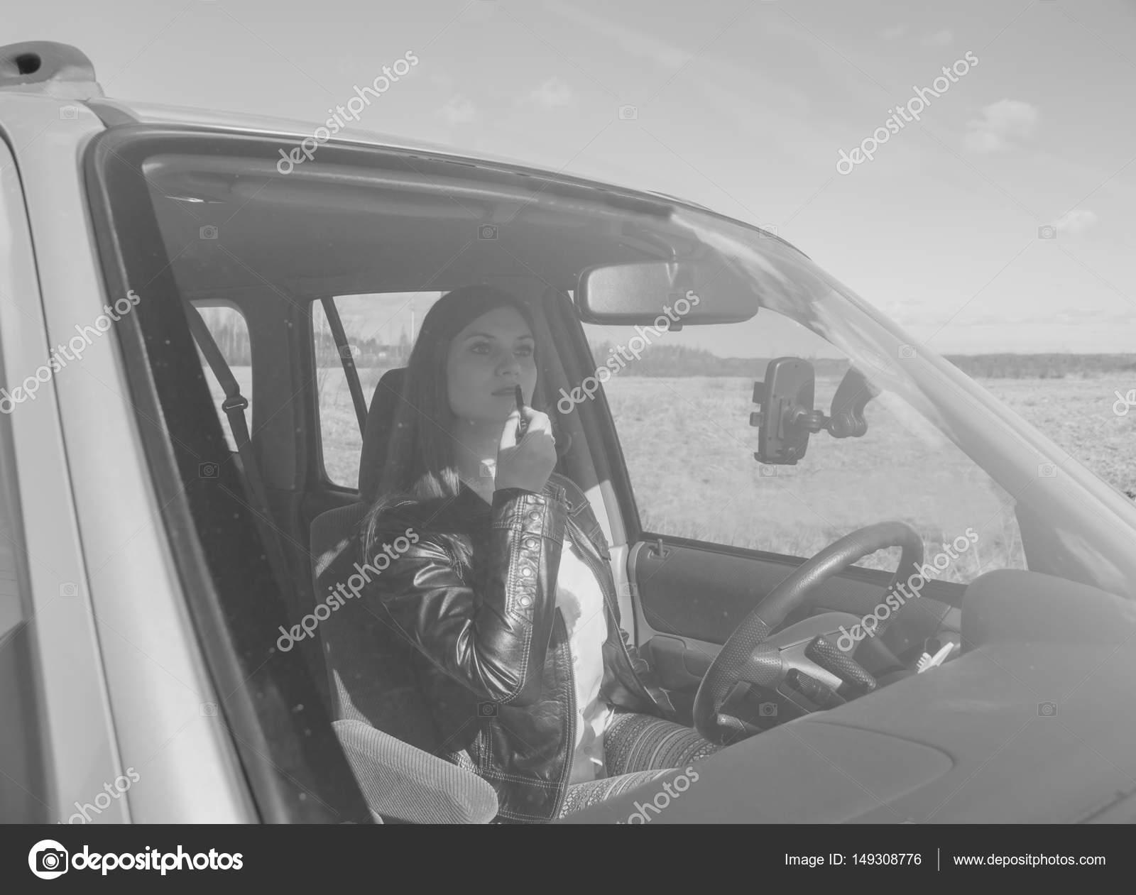 Schwarz Und Weiß Malt Auto Ihre Lippen Ein Schönes Mädchen