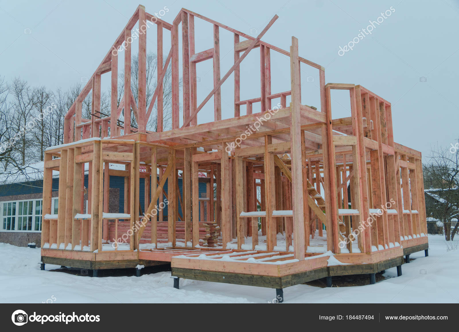 Construction Of A Timber Frame House On Screw Piles Stock Photo Image By C P Kdmitry 184487494