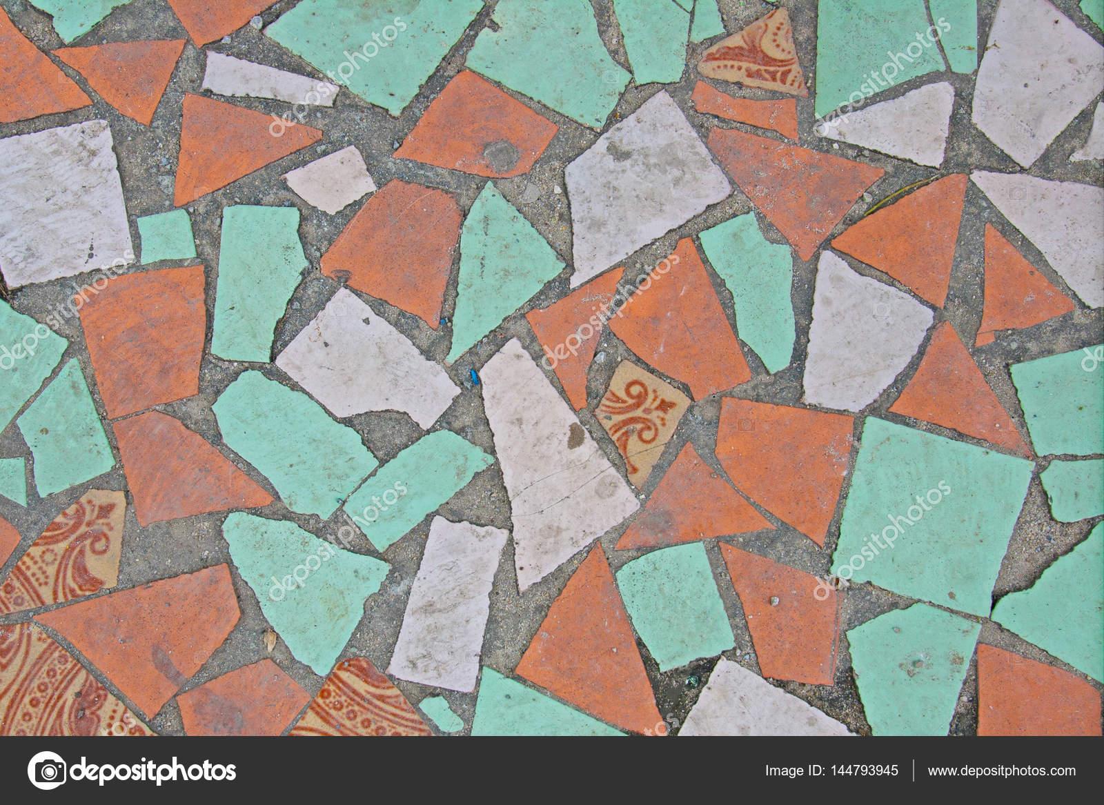 Vecchio astratto texture o sfondo colorato mosaico sul pavimento