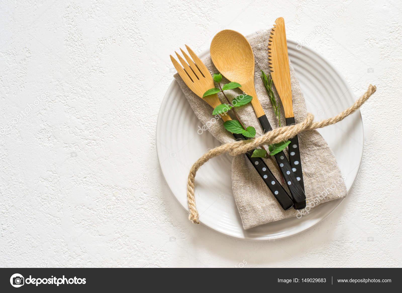 Naturliche Tischdekoration Mit Bambus Messer Gabel Und Loffel