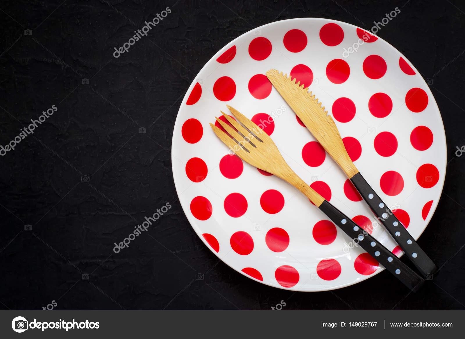 Tischdekoration Mit Bambus Messer Gabel Und Teller Mit Polka Dots