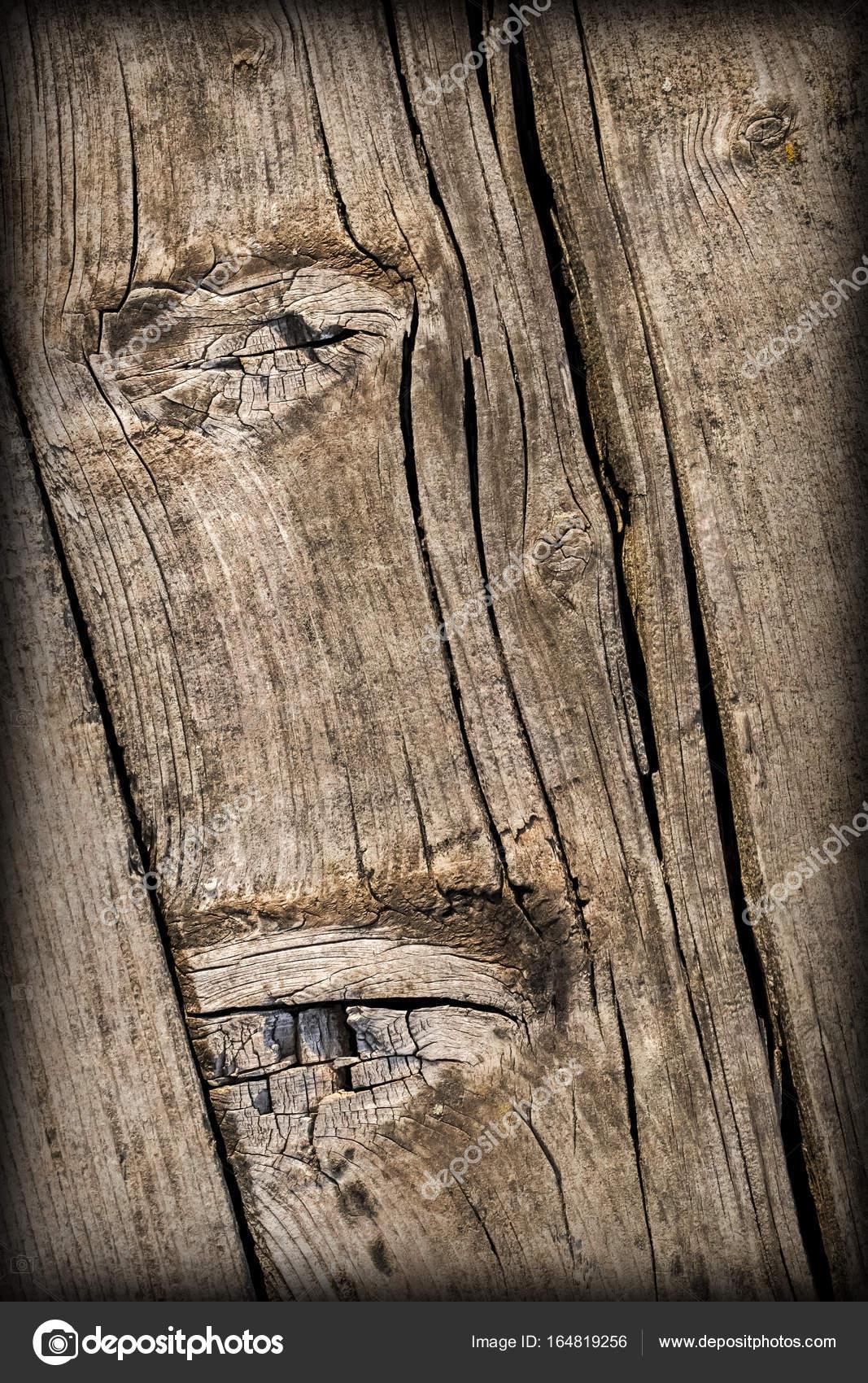 Vecchio weathered incrinato annodato tavole di pino legno antiche vignetted grunge texture - Tavole legno vecchio prezzi ...