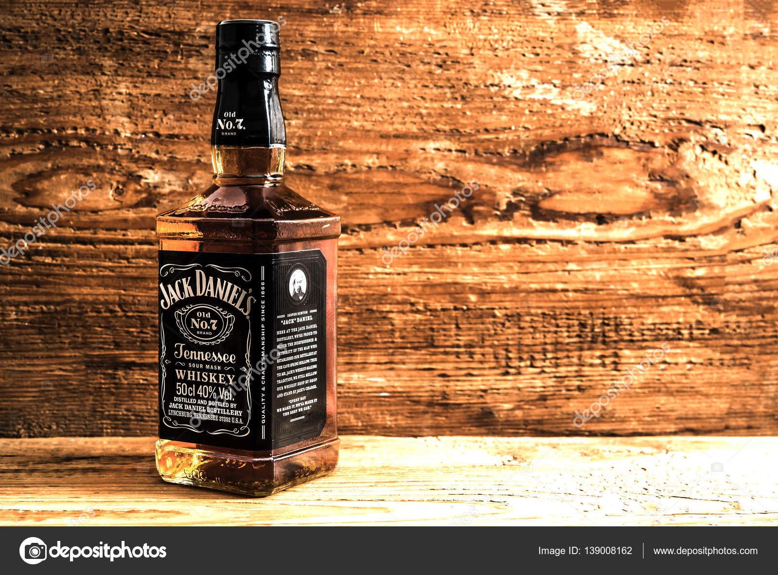 botella de jack daniels foto editorial de stock borjomi88 139008162