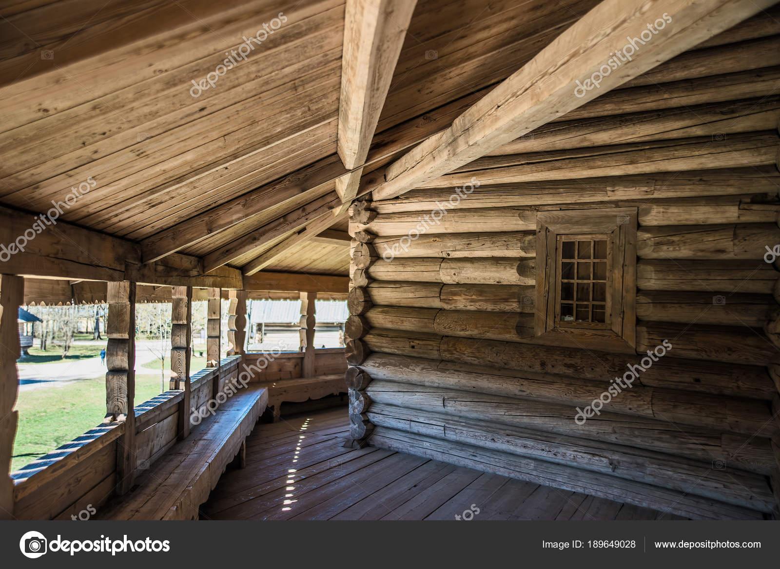 Intérieur Maison Bois Foncé Véranda — Photographie borjomi88 ...