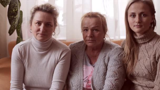 Portrét babička, Dcera a vnučka. Rodinný portrét