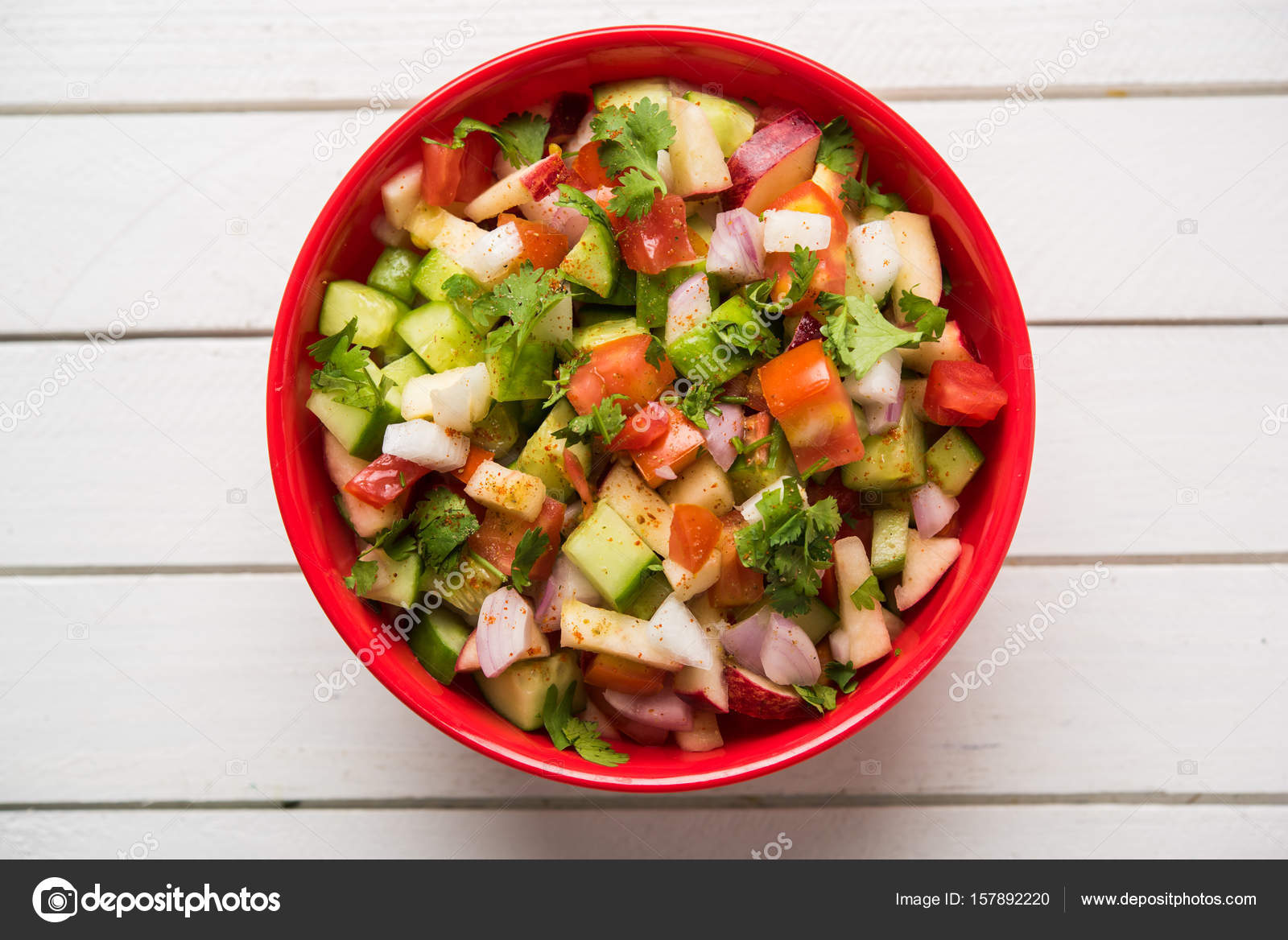 Ensalada verde de India también conocido como Kachumber es un plato ...