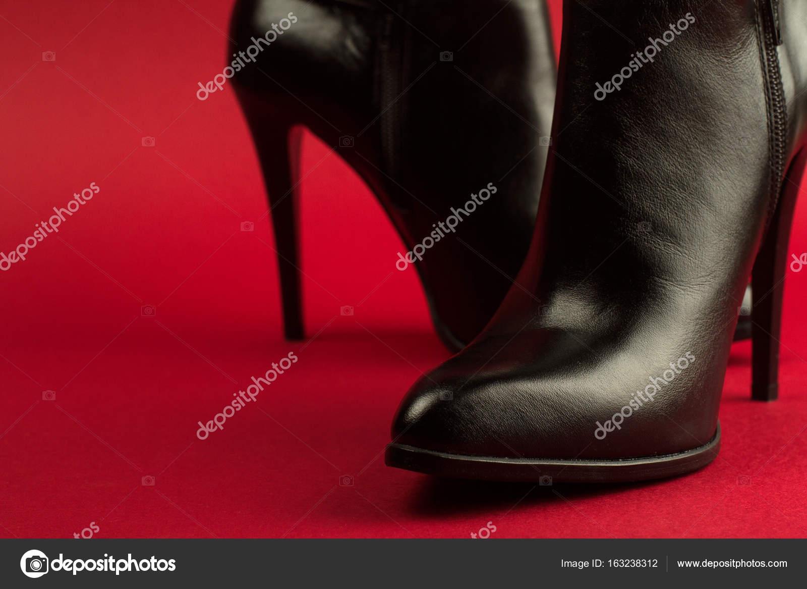 Noir — Photographie À Fond Talons Hauts Rouge Chaussures Sur H9Y2IWED