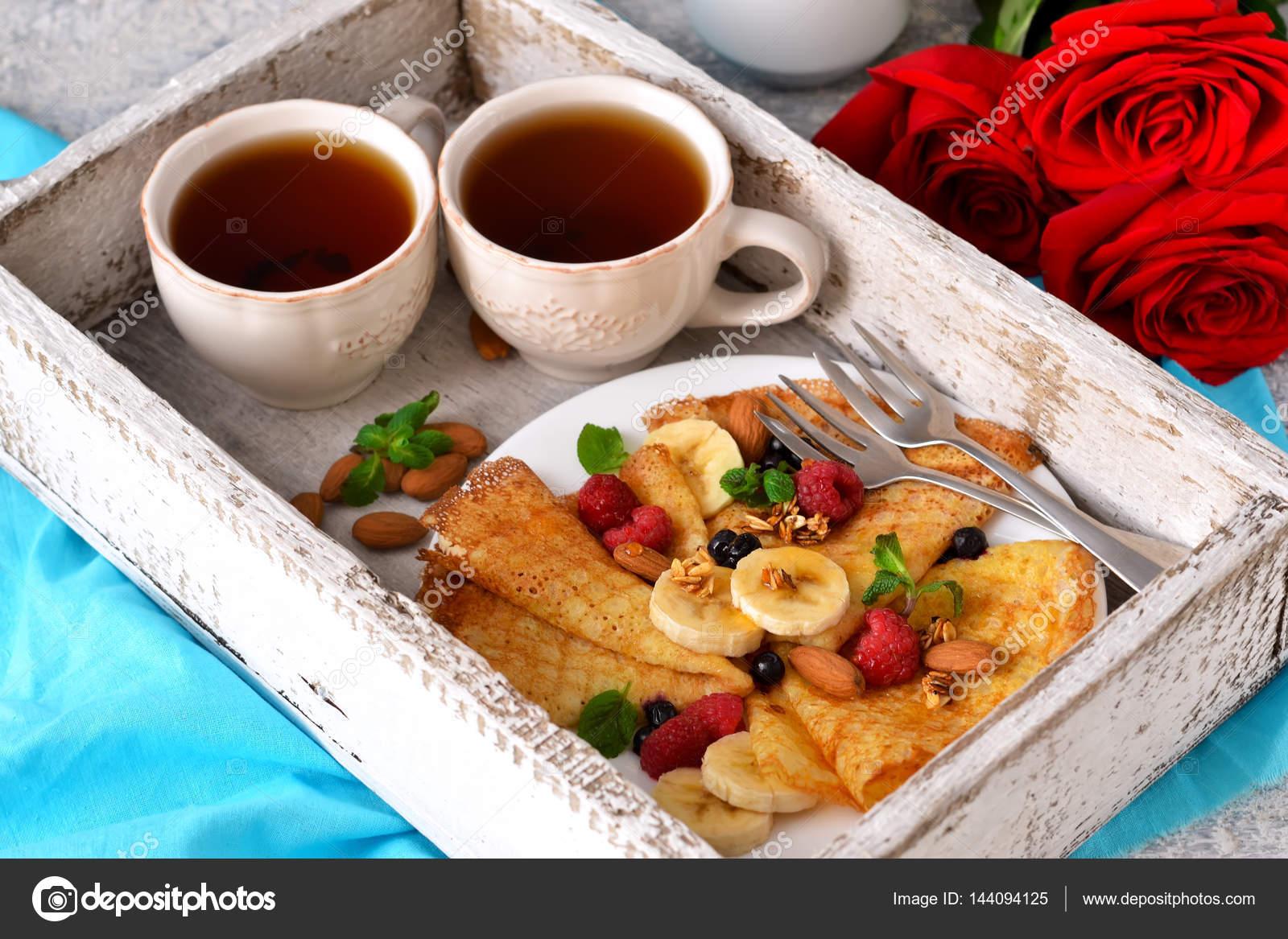 Buongiorno la colazione a letto con caff e frittelle - Colazione a letto immagini ...