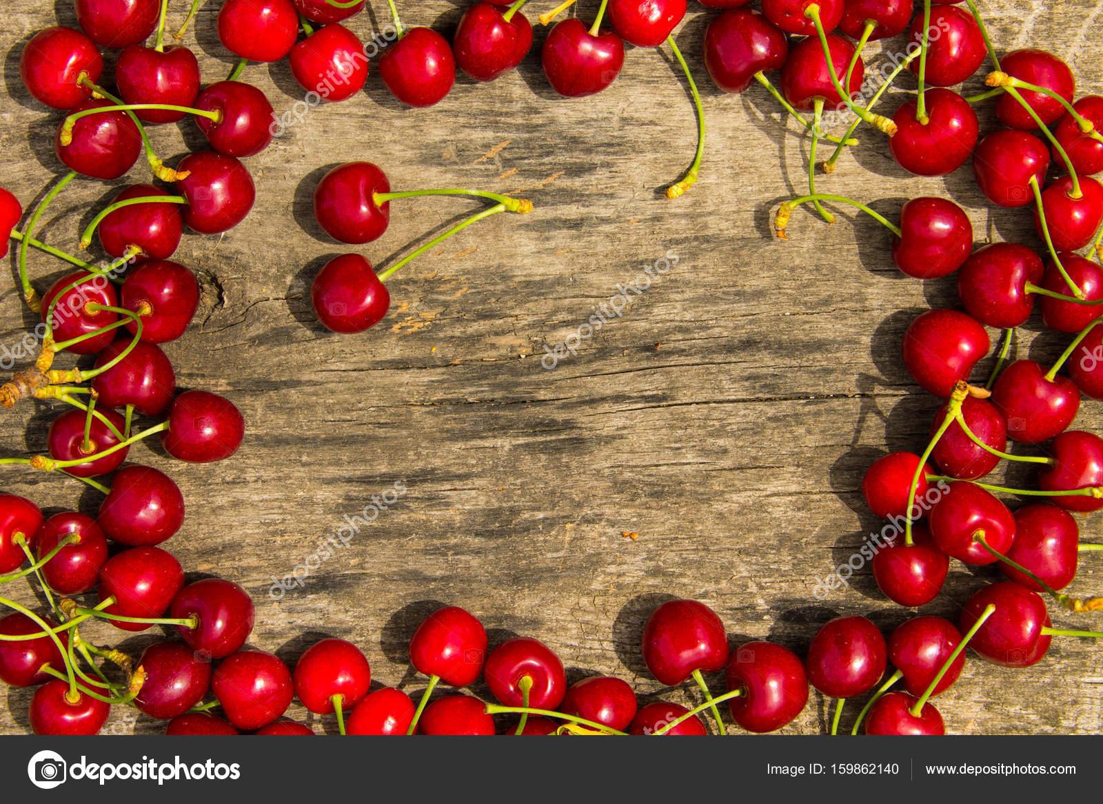 Os corações vermelhos do ` s do valentim da faísca quadro cherry
