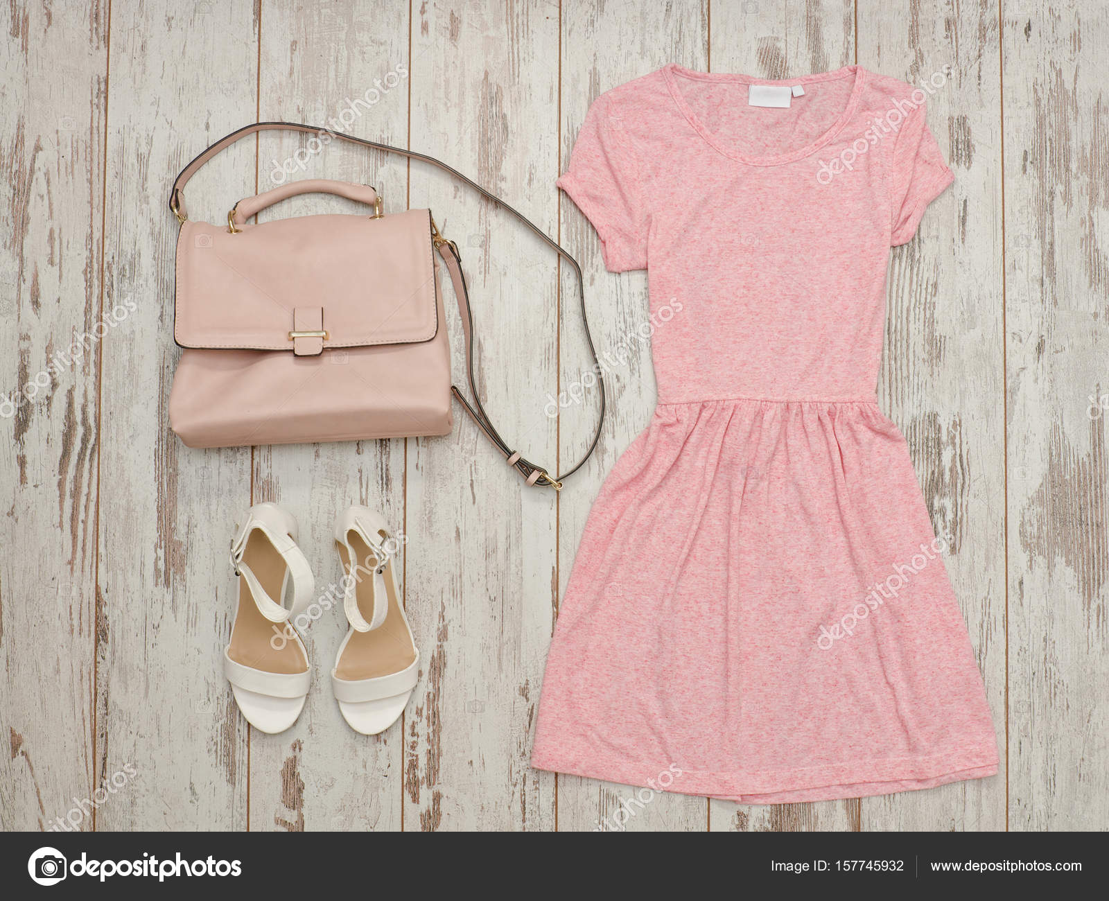Rosa kleid beige schuhe