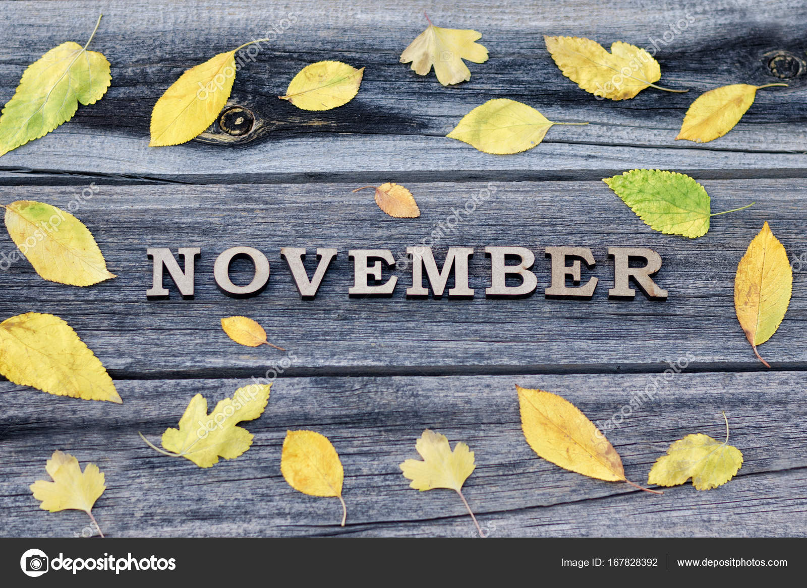 November, Holzbuchstaben Wort. Rahmen der gelbe Blätter, Holz ...