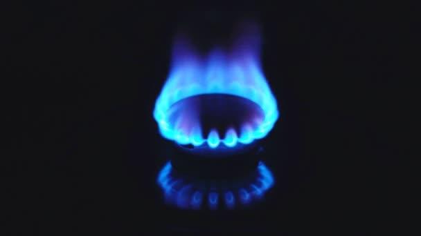 Plynná z kuchyň plynový sporák. 4k