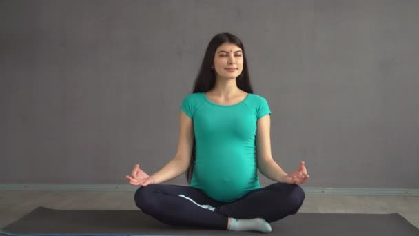 Pregnant Ethnic Girl Engaged In Yoga Sitting In A Lotus Pose Indian Woman With Hindi Stock Video C Alexeyplatonov 157991882