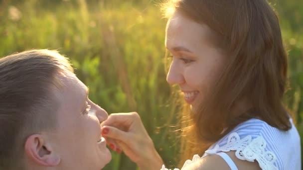 Deux femme amoureux [PUNIQRANDLINE-(au-dating-names.txt) 36