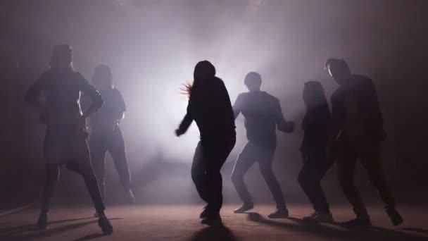 Konzept der tanzen in der Disco-Party. Spaß mit Freunden