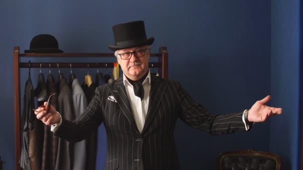 Posh érett úriember meglátogatta a szabók bolt portréja