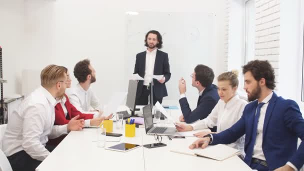 Erfolgreiche Geschäftsleute im Amt