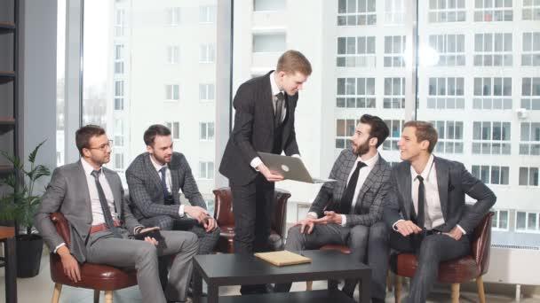 koncepce vedení a podnikání. obchodní tým v kanceláři