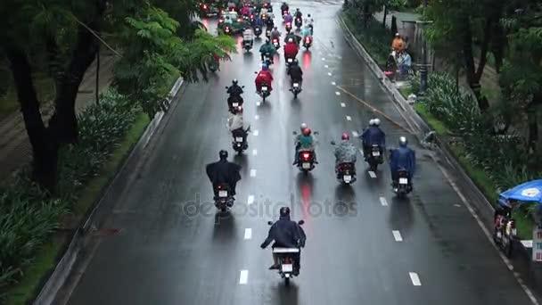 traffico in pioggia