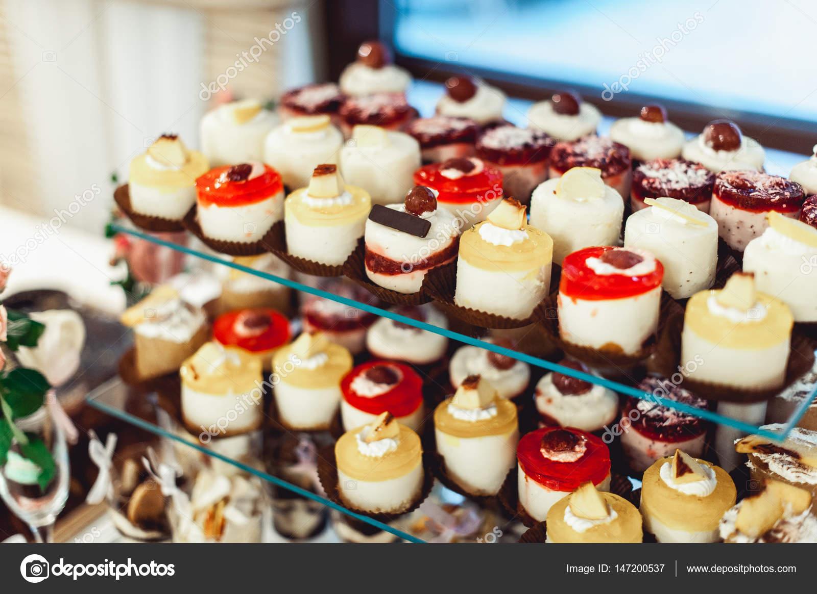 Buffet Di Dolci Mignon : Pasticceria mignon artigianale dire fare buffet