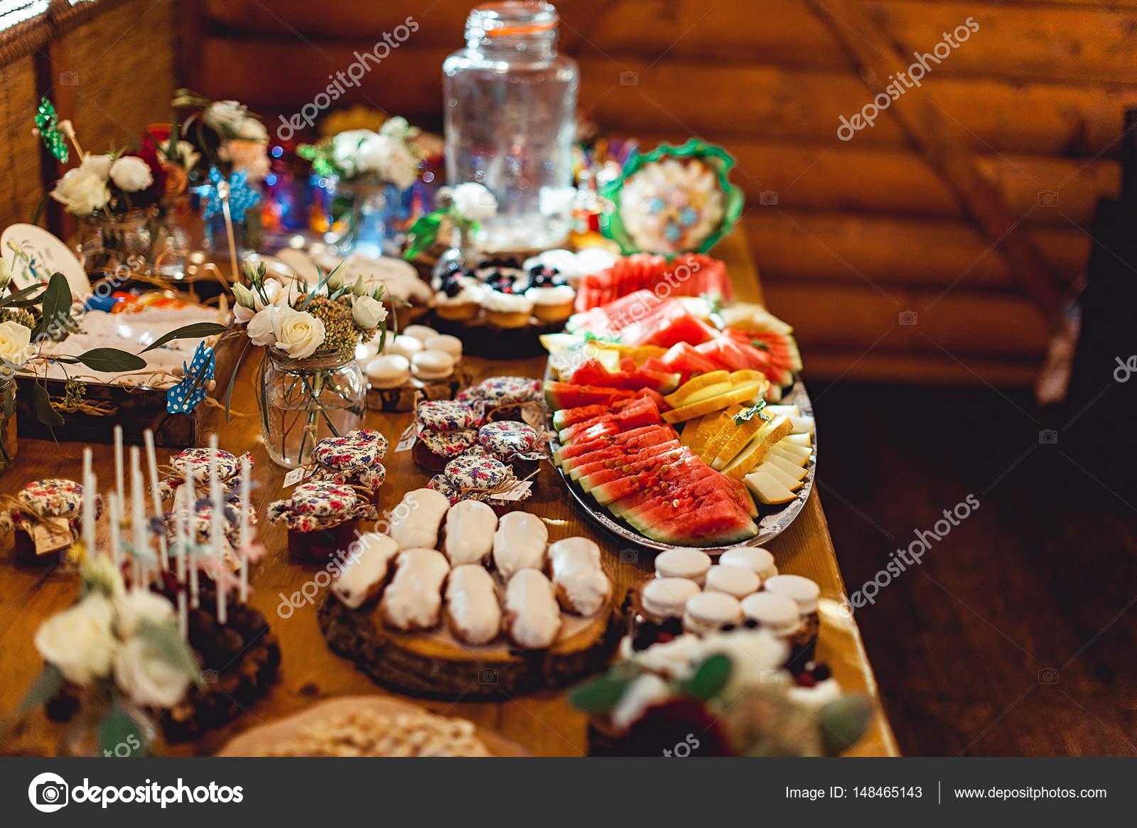Buffet Di Dolci E Frutta : Come preparare un buffet salato completo fatto in casa da benedetta