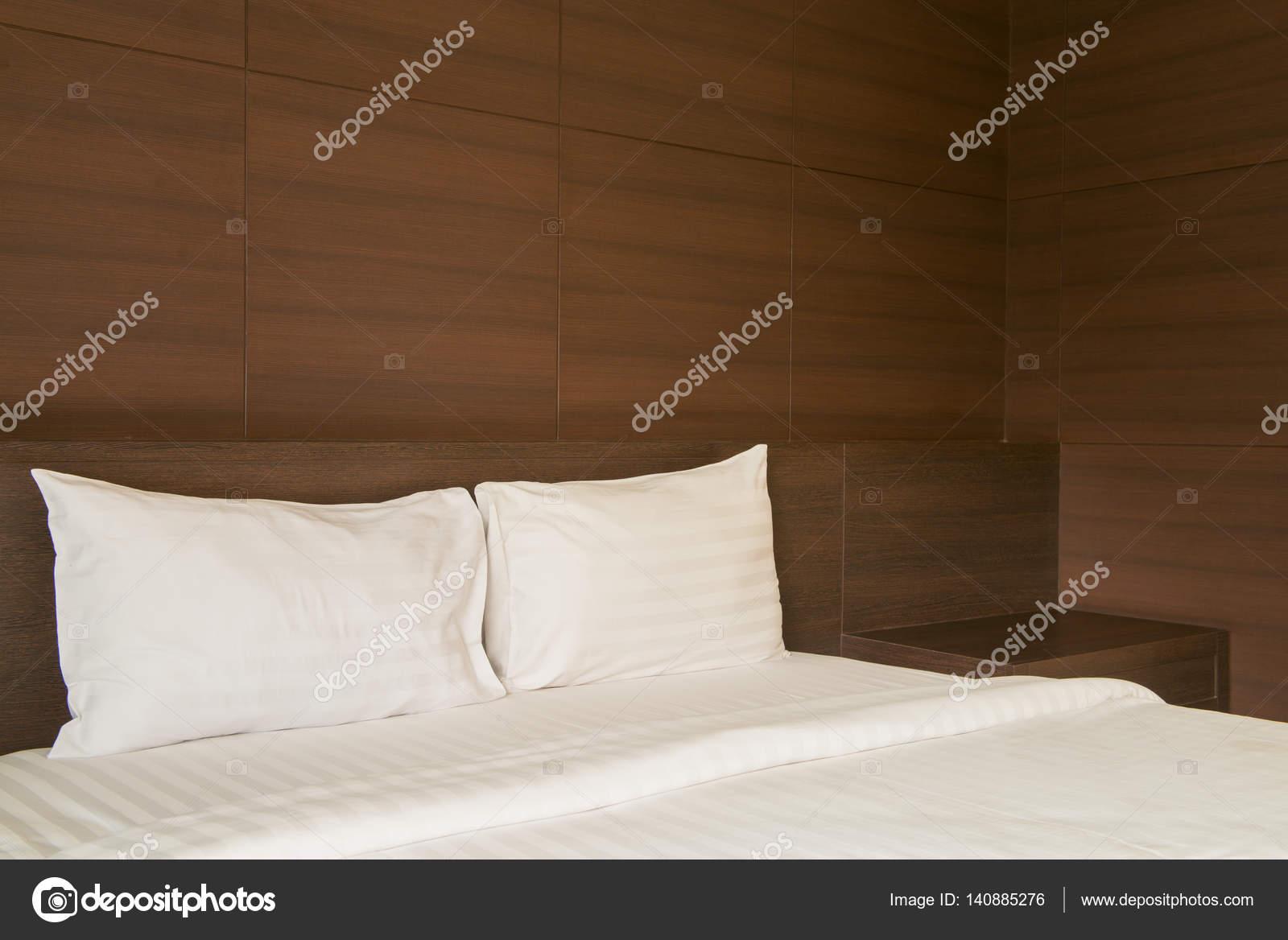 Colori Per Camera Da Letto Classica : Illuminazione camera da letto u guida idee per illuminare al