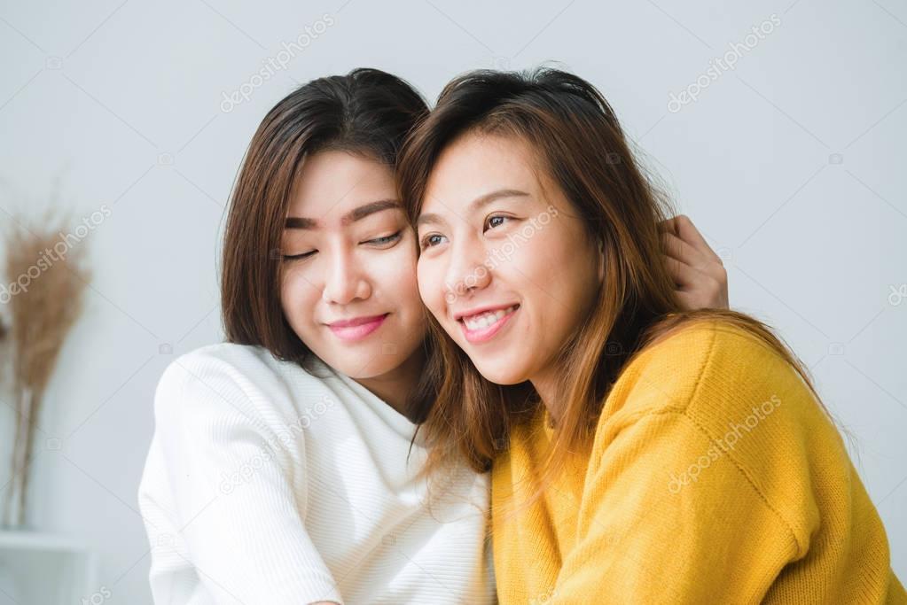 asiatiska lesbiska har sex
