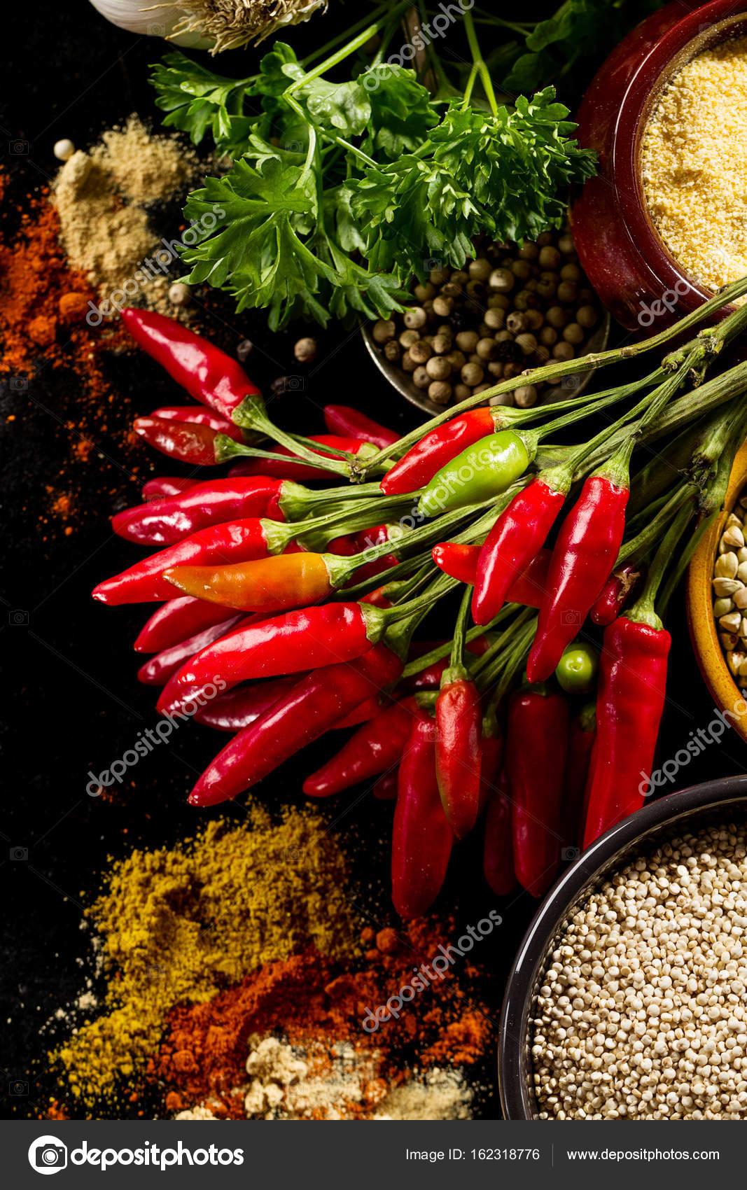 Bella gustoso antipasto ingredienti alimentari di spezie per cucinare foto stock nerudol - Cucinare con le spezie ...