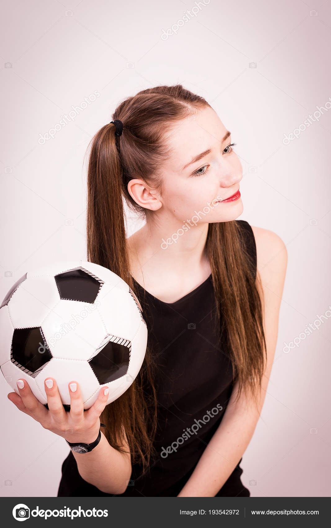 Jeune Fille Robe Mariée Avec Ballon Pour Match Football