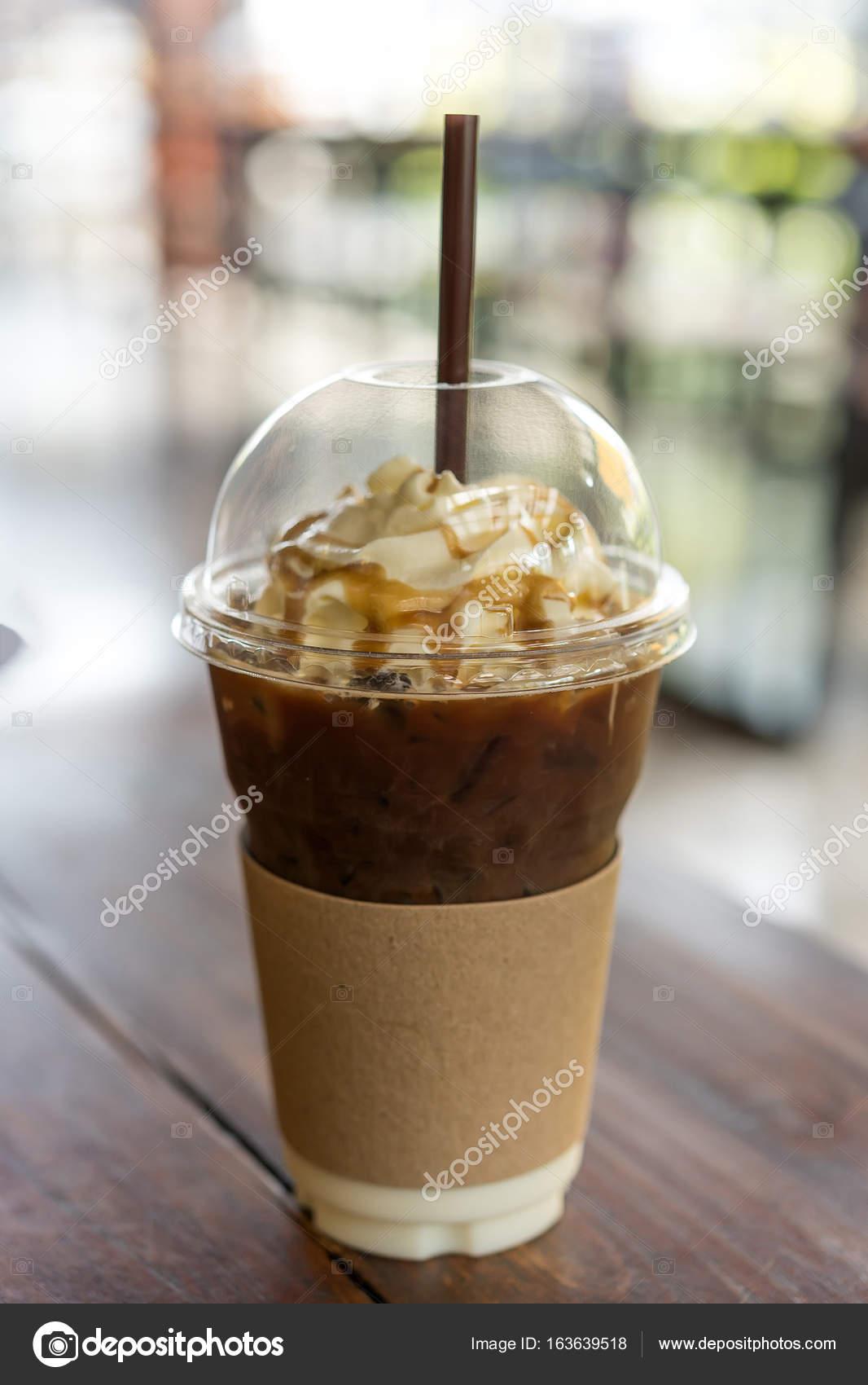 холодный кофе со взбитыми сливками