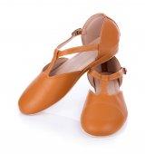 kožené boty izolovaných na bílém pozadí