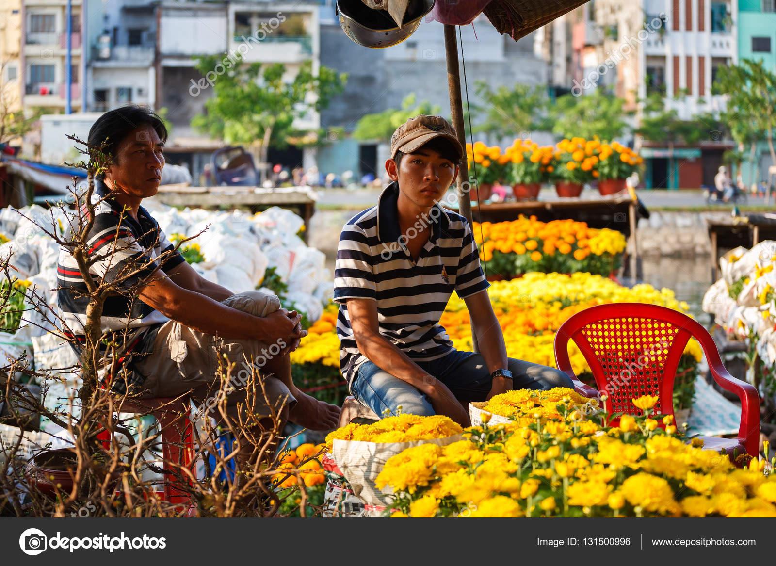 Binh Dong Floating Flower Market.Saigon Vietnam Jan 27 2014 Flowers Street Vendor At Binh Dong